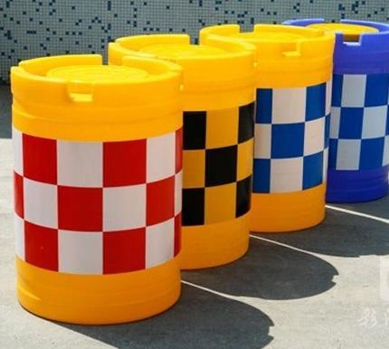 公路防撞桶